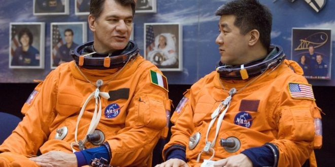 Paolo_Nespoli_and_Daniel_Tani_await_start_of_a_training_session_at_JSC_node_full_image_2